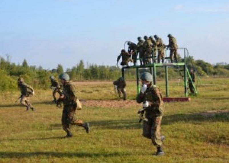В Краснинском районе соревнуются спецназ и разведка