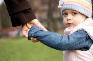 С начала года в Смоленске усыновили 9 детей