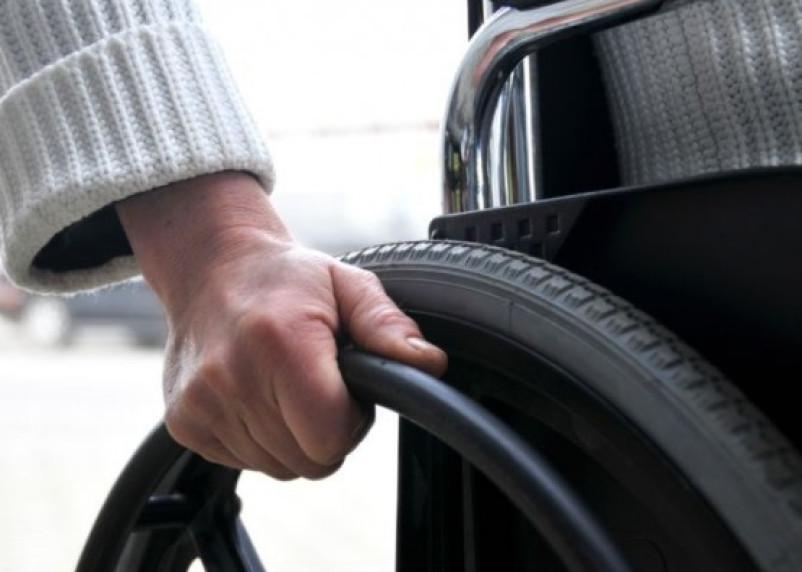 Смоленским инвалидам не хватает колясок
