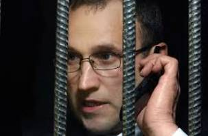 Рославльчанин попался на телефонный «развод» осужденного