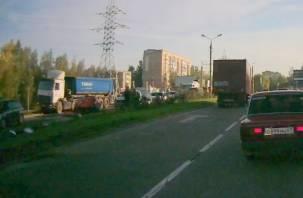 На Проспекте Строителей произошло крупное ДТП