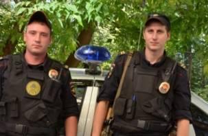 При пожаре на улице Губенко в Смоленске полицейские спасли мужчину