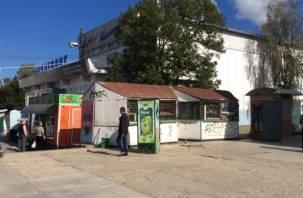 Торговые павильоны Смоленска оказались «в подвешенном состоянии»
