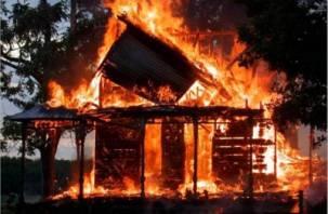 Житель Починка убил соседей и поджег их дом