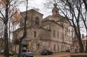 Общежитие-церковь на ул.Реввоенсовета ждет расселения