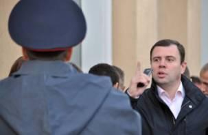 Константин Лазарев требует 50 млн рублей компенсации