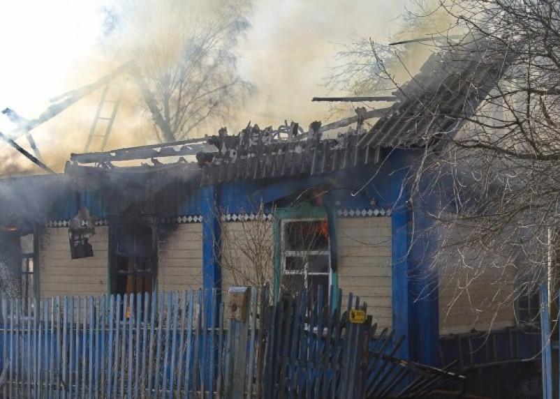 Семья из Руднянского района оказалась без крыши над головой