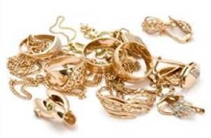 Страх лишиться золота побудил бизнесвумен из Монастырщины заплатить налоги