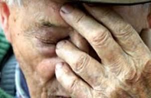Житель Сафоновского района «обчистил» банковскую карту 62-летнего пенсионера