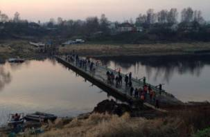 Мост в Велиже разрушился из-за сверхнагрузки