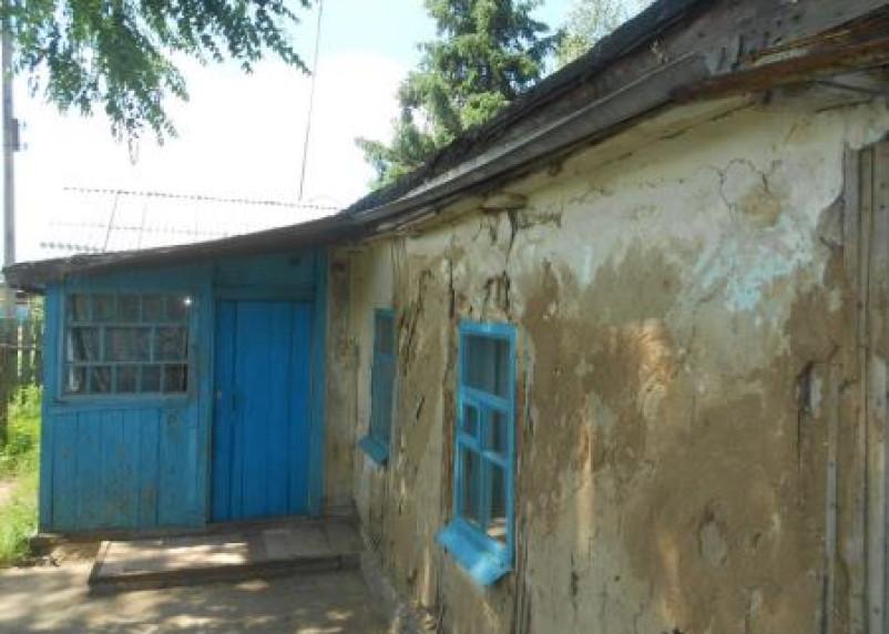 Благодаря прокуратуре в Духовщинском районе власти отремонтируют жилой дом
