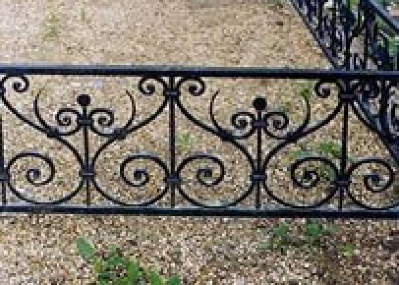 Рославльчанин промышлял кражами с кладбищ
