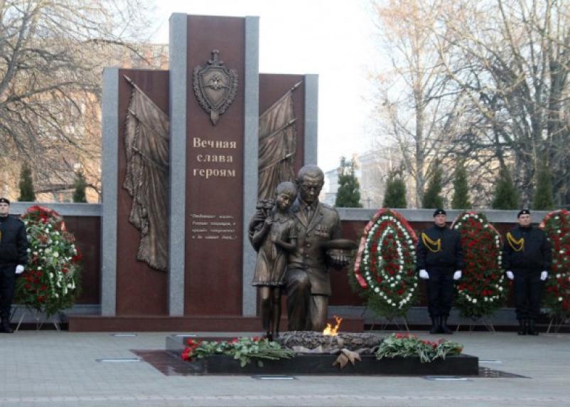 В Смоленске открылся памятник погибшим солдатам правопорядка