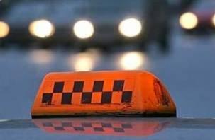 В Рославле молодой таксист ограбил своего клиента