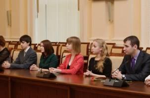 Лучших учащихся Смоленщины наградили княжескими стипендиями