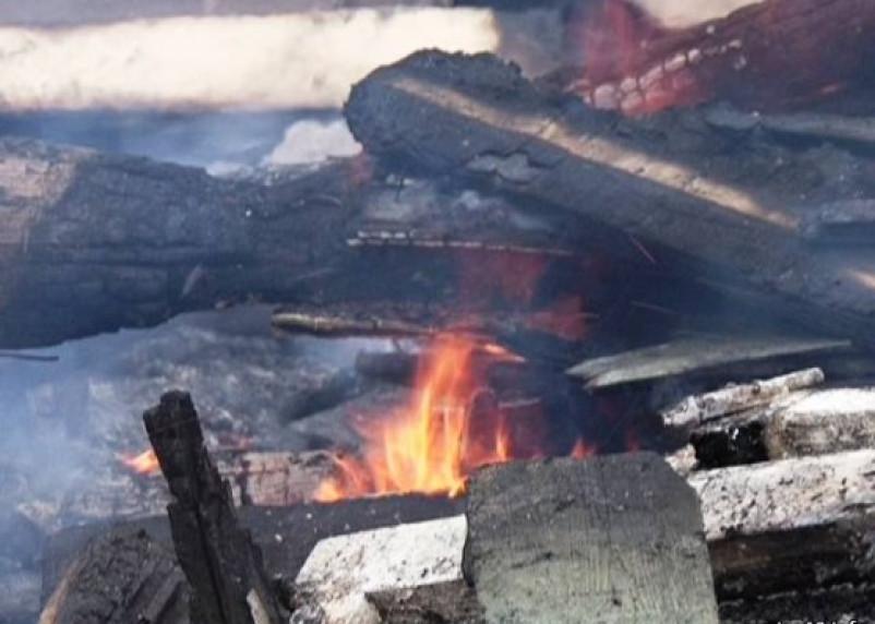 В Смоленском районе при пожаре бани погиб ее хозяин