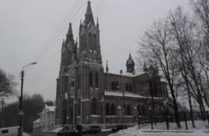 Смоленские власти объявили тендер на оценку Польского костела
