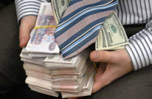 Глава Духовщинского района выписал сам себе премии на 350 тысяч рублей
