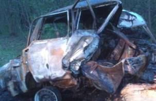 В Сафоновском районе в горящей машине погибли люди