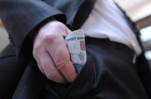 Смоленский чиновник и директор фирмы похитили два миллиона бюджетных рублей
