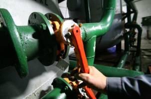 Смоленские коммунальщики продолжают устранять последствия порыва теплотрассы