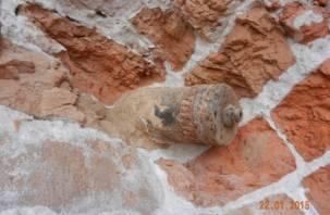 Снаряд Великой Отечественной вынули из стены рославльской церкви