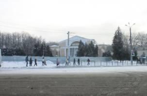 Площадь Победы в центре Смоленска огородили забором