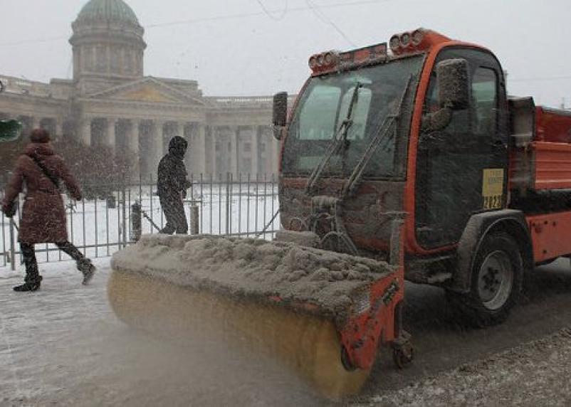 Смоленская техника будет убирать улицы Петербурга