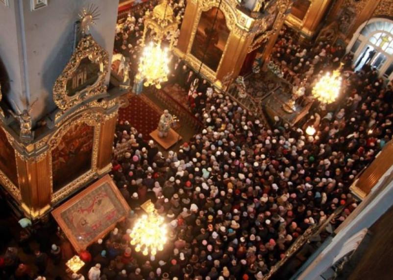 Тысячи смолян приветствовали возвращение чудотворной иконы