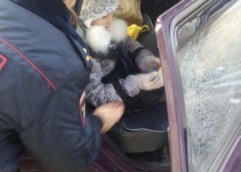 Жителям Ярцева объяснили, как правильно перевозить детей-пассажиров