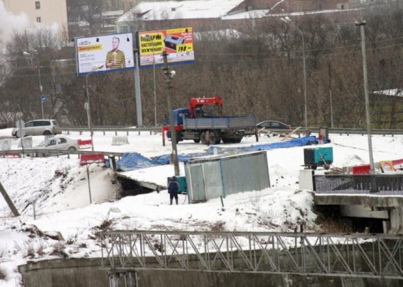 Работы по ремонту моста в Смоленске были приостановлены из-за ЧП