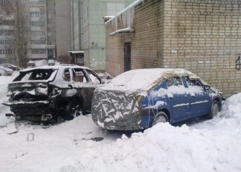 Поджигатели машин добрались до центра Смоленска