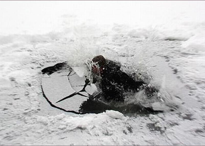В Смоленской области в реке Вопь чуть не утонул человек