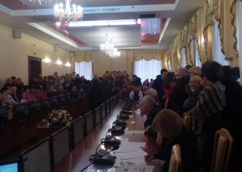 Более трехсот жителей Королёвки приняли участие в обсуждении судьбы микрорайона