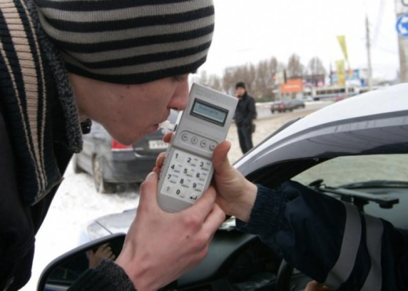 В пятницу смоленских водителей ждут традиционные «сплошные» проверки
