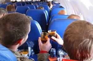 Смолянин устроил дебош в самолете