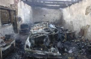 В Смоленской области мужчина лишился гаража и машины