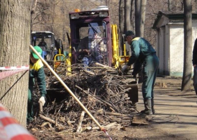 В Смоленске стартовал месячник по уборке города