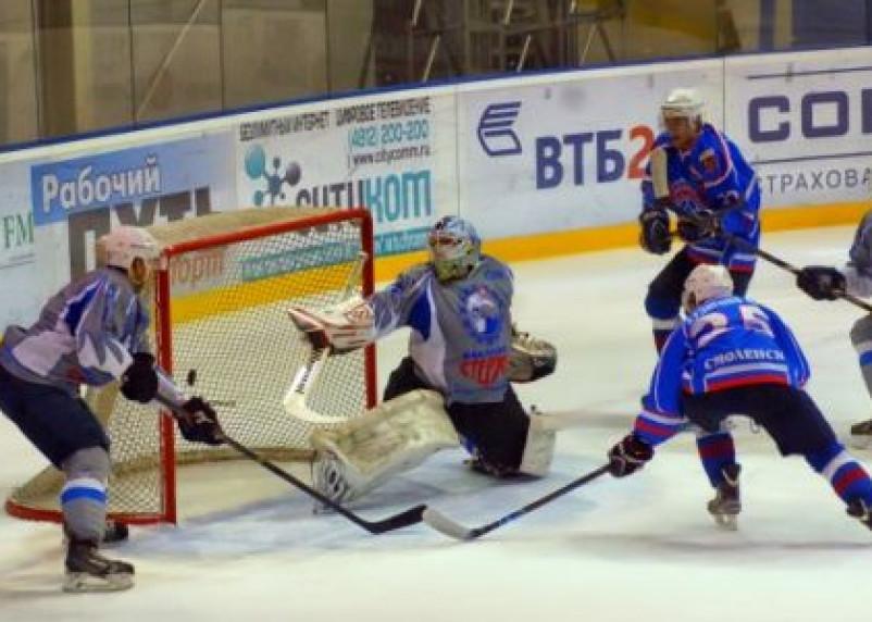 Смоленские хоккеисты продолжают борьбу за финал