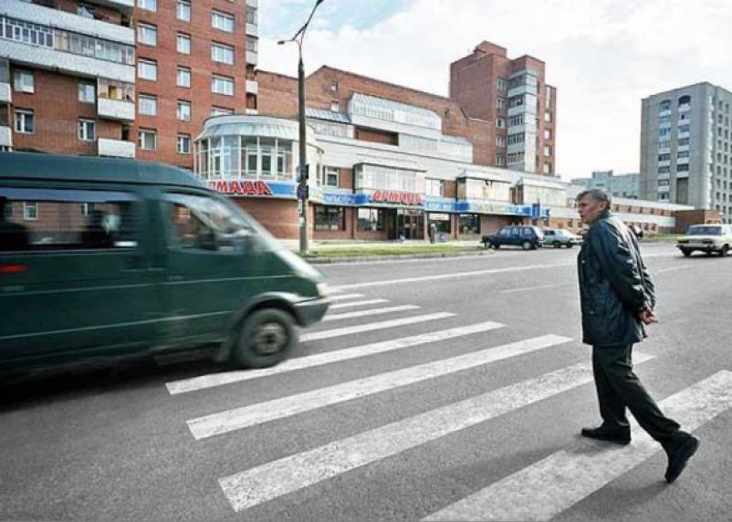 Смоленские водители не хотят пропускать пешеходов