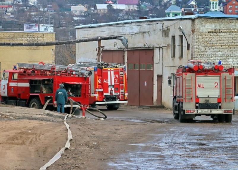 На Смоленской чулочной фабрике прошли пожарные учения