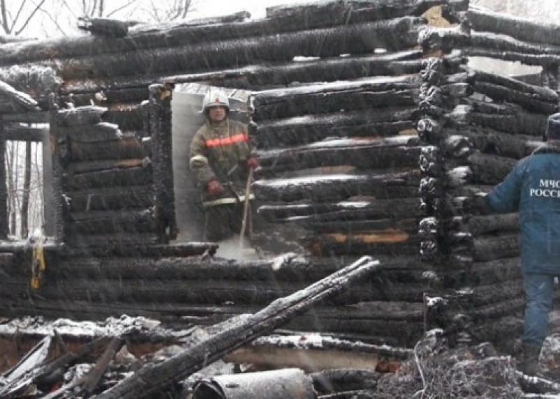 Один человек погиб и один пострадал в пожаре в Гагаринском районе