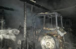 В Гагаринском районе сгорели 6 тракторов
