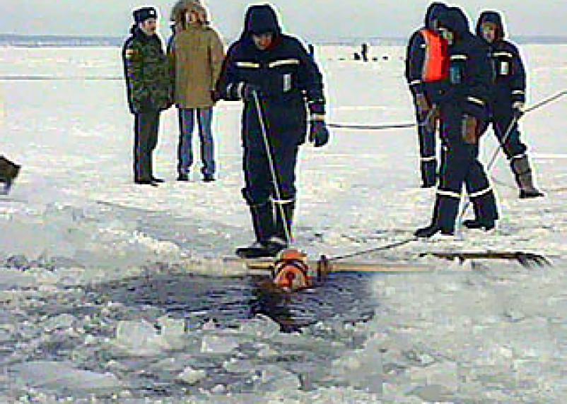 Из Днепра извлечено тело любителя зимнего лова