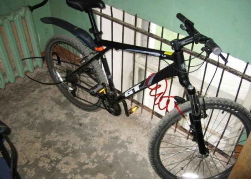 «Самый сезон»: у смолянина угнали велосипед прямо из подъезда