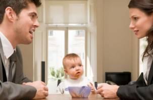 Смолянин платил алименты не своему ребенку