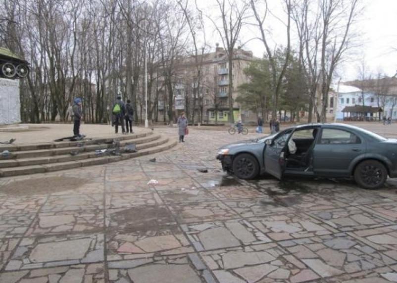 В Ярцево пьяный водитель сбил маму с ребенком