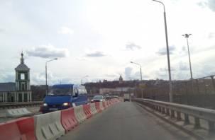 Движение по Крестовоздвиженскому мосту открыто раньше срока