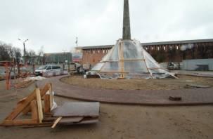 Монумент воинам-освободителям Смоленска начали облицовывать гранитом