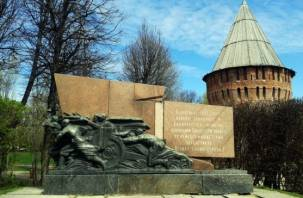 Невеселые картинки. Как власти Смоленска готовят город к юбилею Победы